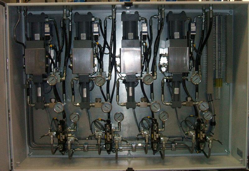 cabinet-amplificateur-de-pression-pour-injection-dhuile