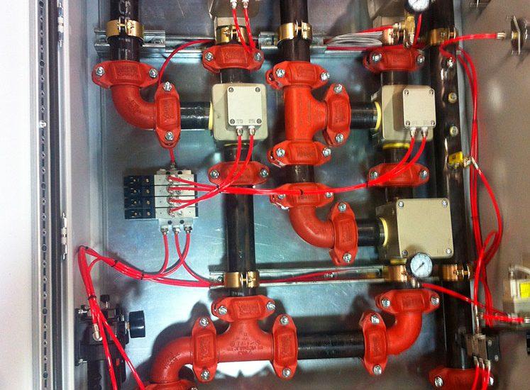 cabinet-de-ctrl-de-cylindre-de-compression-de-melangeur-de-caoutchouc-