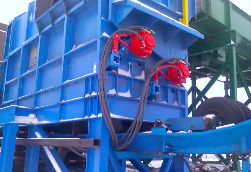 ecorceur-de-billot-avec-moteurs-hydrauliques