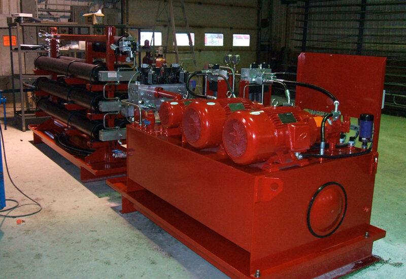 ensemble-unite-hydraulique-et-accumulateur-pour-controle-de-turbine-hydroelectrique