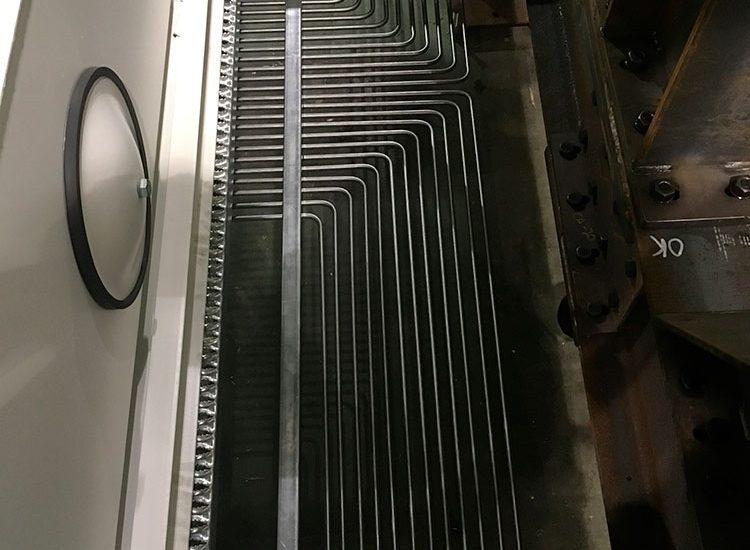 installation-de-tubes-hydraulique-pour-machine-minière-mobile